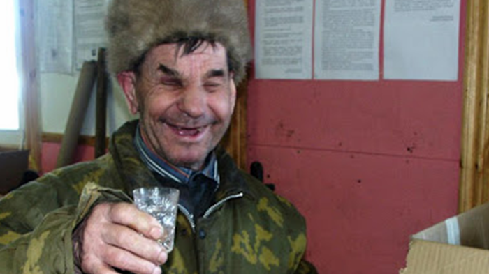 [Image: Drunk-Russian-Christmas-Party.png]